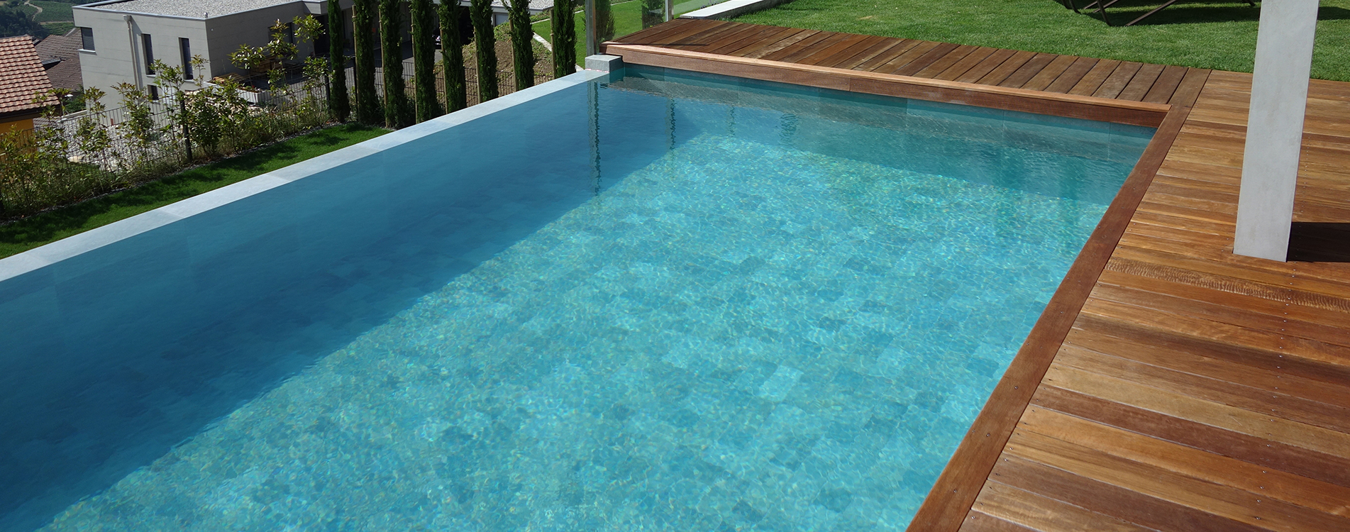 construction-piscine-carrelage-1