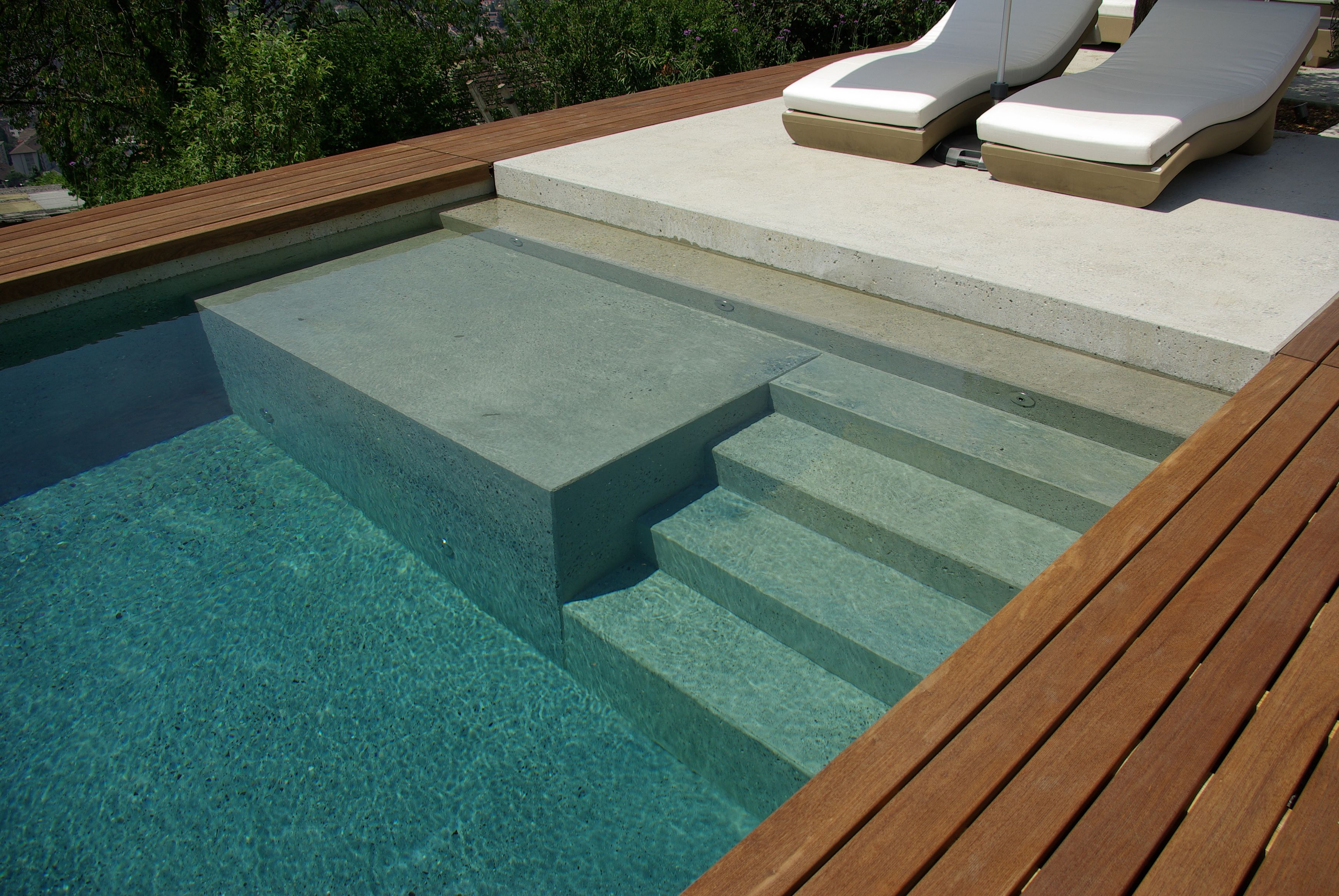 Piscine coffrage en b ton arm nicollier piscines for Piscine beton banche