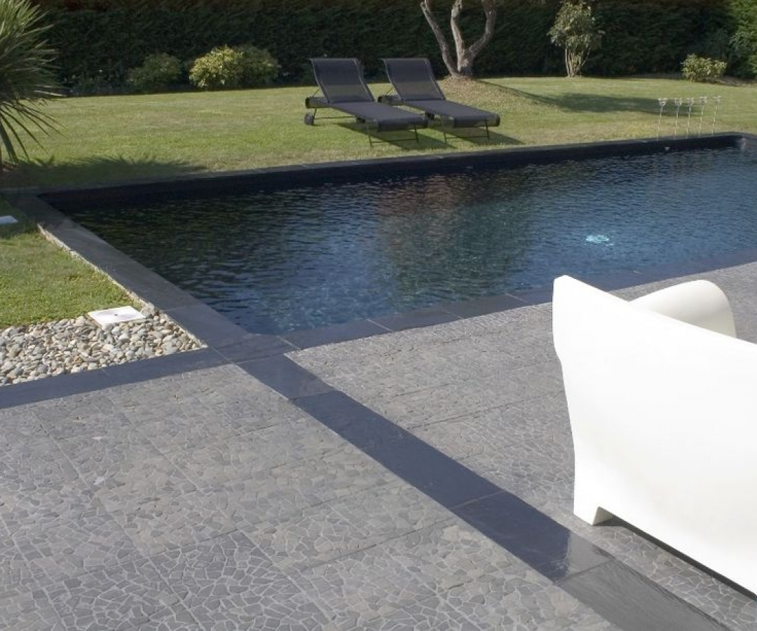 Beautiful liner noir pour piscine gallery amazing house for Liner piscine